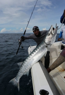 fishing-madagascar-GT-Dogtooth-doggy-popper-jig-peche-sportive-nosy-be-nosybe-napoleon (86)